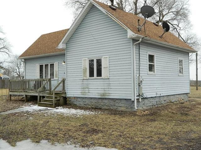 140 W Maple Street, Buckingham, IL 60917 (MLS #10279425) :: The Mattz Mega Group