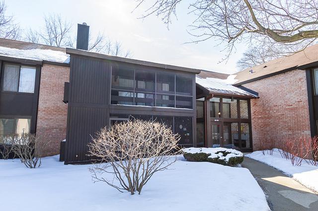 720 Saint Andrews Lane #32, Crystal Lake, IL 60014 (MLS #10280324) :: Baz Realty Network | Keller Williams Preferred Realty