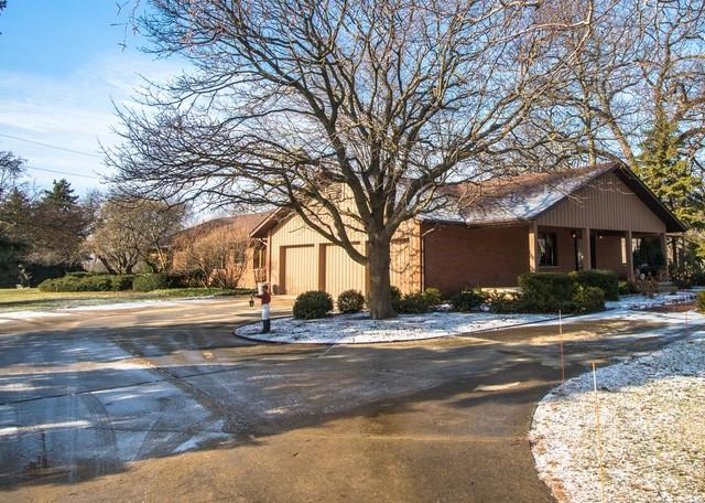 43W485 Thornapple Tree Road, Sugar Grove, IL 60554 (MLS #10280575) :: Berkshire Hathaway HomeServices Snyder Real Estate