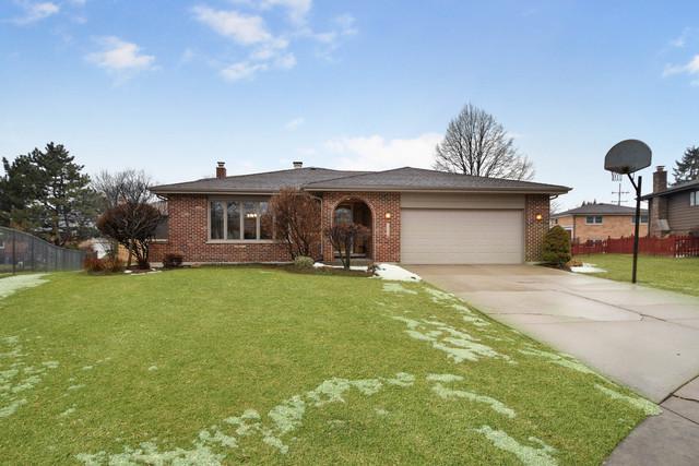 7726 Surrey Drive, Darien, IL 60561 (MLS #10281363) :: Baz Realty Network | Keller Williams Preferred Realty