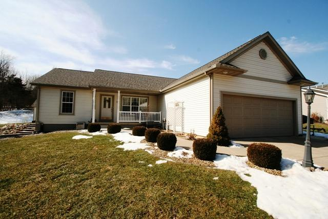 644 Heritage Drive, Mackinaw, IL 61755 (MLS #10281855) :: Janet Jurich Realty Group