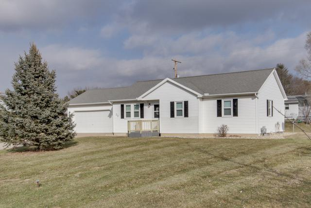 35 Yorkshire Drive, Mackinaw, IL 61755 (MLS #10282104) :: Janet Jurich Realty Group