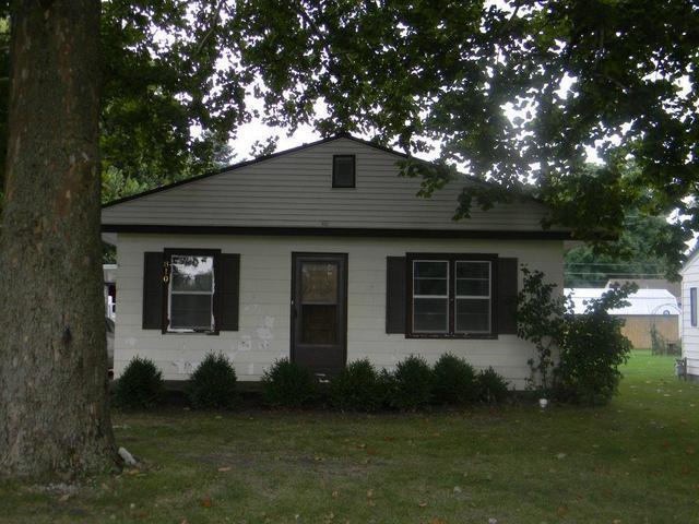 810 Meade, Pontiac, IL 61764 (MLS #10282657) :: HomesForSale123.com