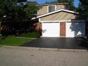 2173 N Queensburg Lane, Palatine, IL 60074 (MLS #10290166) :: The Dena Furlow Team - Keller Williams Realty