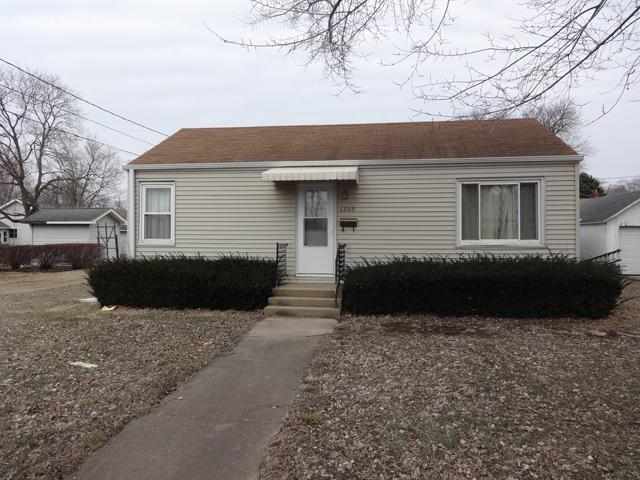 1305 Richard Street, Henry, IL 61537 (MLS #10290641) :: Century 21 Affiliated