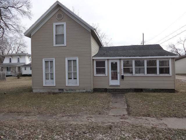 806 Third Street, Henry, IL 61537 (MLS #10291804) :: The Perotti Group | Compass Real Estate