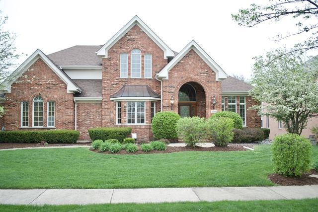 1600 Darien Club Drive, Darien, IL 60561 (MLS #10292256) :: Helen Oliveri Real Estate