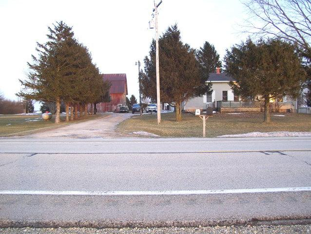 3844 N Il Route 23, Sheridan, IL 60551 (MLS #10293407) :: The Dena Furlow Team - Keller Williams Realty