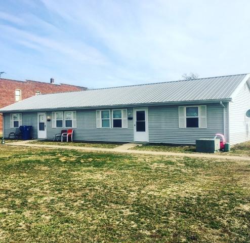 1811 12th Street, LAWRENCEVILLE, IL 62439 (MLS #10293727) :: Ryan Dallas Real Estate