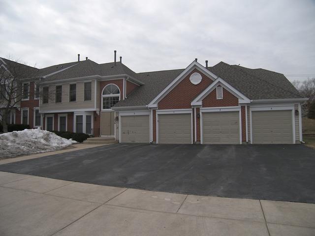1896 Fox Run Drive A7, Elk Grove Village, IL 60007 (MLS #10294432) :: Ryan Dallas Real Estate