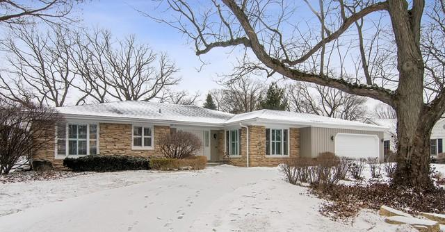 1225 Somerset Drive, Glenview, IL 60025 (MLS #10294652) :: Century 21 Affiliated
