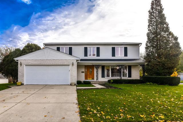 1725 N Stratford Road, Arlington Heights, IL 60004 (MLS #10294760) :: Helen Oliveri Real Estate