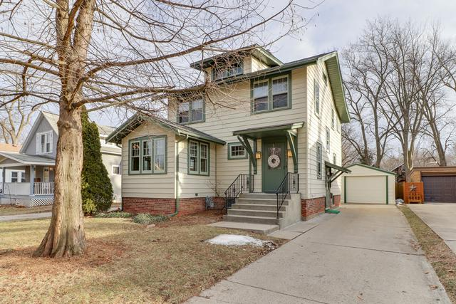 2013 E Jackson Street, Bloomington, IL 61701 (MLS #10297019) :: Berkshire Hathaway HomeServices Snyder Real Estate