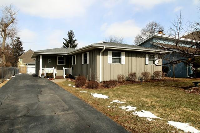 24 E Woodworth Place, Roselle, IL 60172 (MLS #10297032) :: Baz Realty Network | Keller Williams Preferred Realty