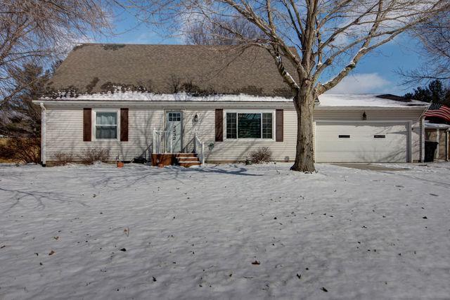 2232 Woodard Lane, ST. JOSEPH, IL 61873 (MLS #10297988) :: Ryan Dallas Real Estate
