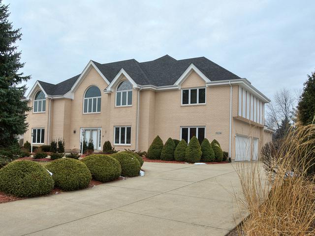 8S246 Aintree Drive, Naperville, IL 60540 (MLS #10298401) :: HomesForSale123.com
