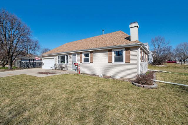 2011 Coral Avenue, Aurora, IL 60506 (MLS #10299572) :: Helen Oliveri Real Estate