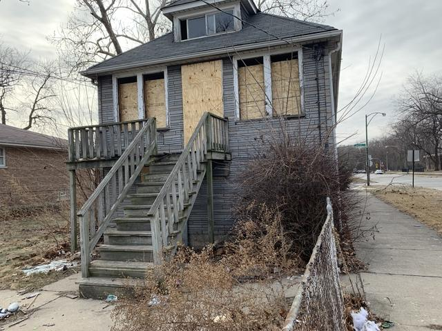 10501 S Bensley Avenue, Chicago, IL 60617 (MLS #10299660) :: HomesForSale123.com