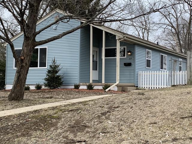325 W Wynnwood Drive, Peoria, IL 61614 (MLS #10300122) :: Janet Jurich Realty Group