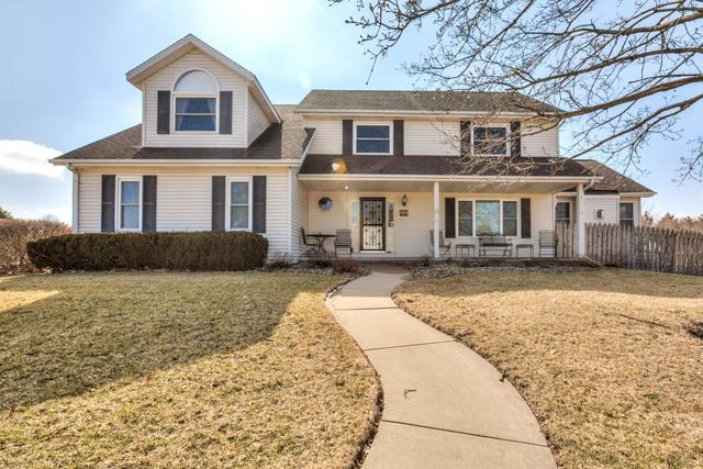 1413 Dover Road, Bloomington, IL 61704 (MLS #10300790) :: Janet Jurich Realty Group