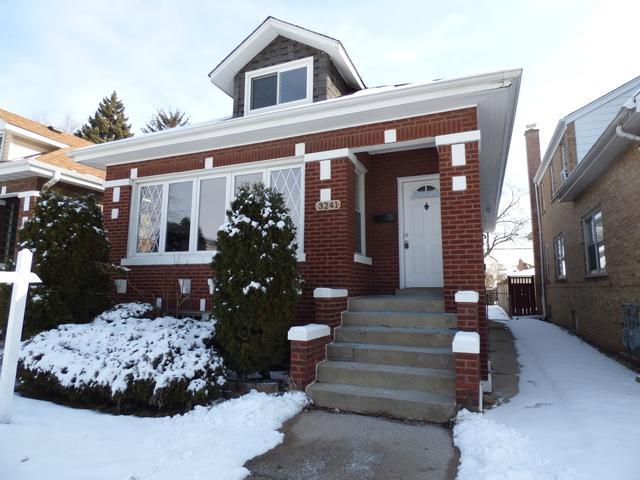 3241 Cuyler Avenue, Berwyn, IL 60402 (MLS #10301075) :: BNRealty