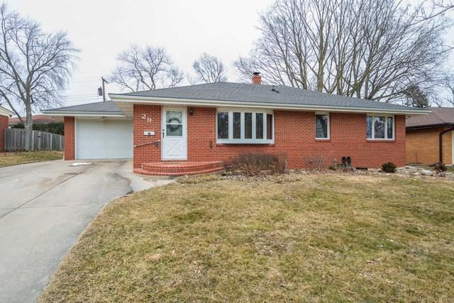 29 Knollcrest Court, Normal, IL 61761 (MLS #10301207) :: Janet Jurich Realty Group
