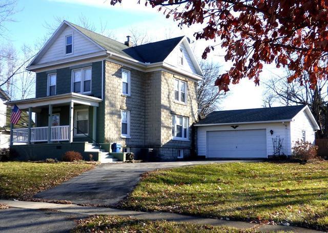 407 E Beech Street, Chatsworth, IL 60921 (MLS #10301209) :: Janet Jurich Realty Group