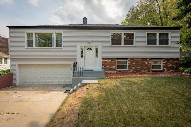 13 W Beechwood Court, Buffalo Grove, IL 60089 (MLS #10301657) :: Helen Oliveri Real Estate