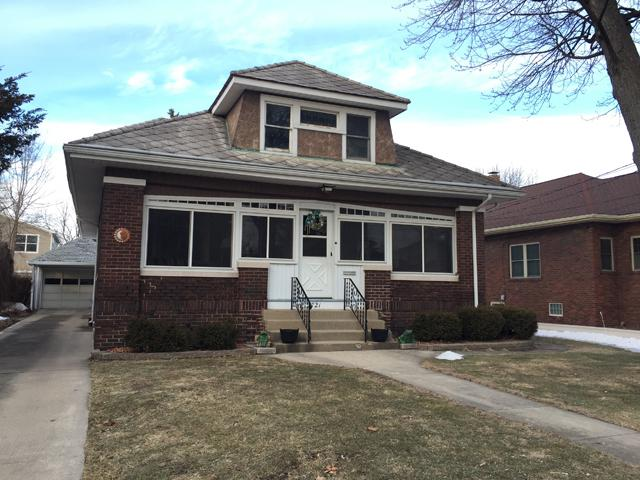 2721 6th Street, Peru, IL 61354 (MLS #10301960) :: Baz Realty Network | Keller Williams Preferred Realty