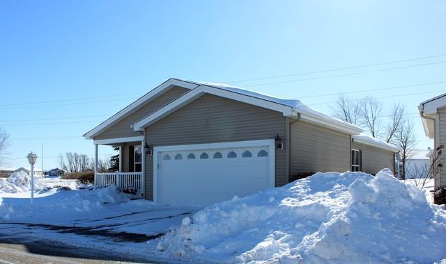 2901 Buckskin Lane, Grayslake, IL 60030 (MLS #10303102) :: HomesForSale123.com