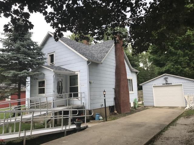 612 Bensyl Avenue, Danville, IL 61832 (MLS #10303466) :: Helen Oliveri Real Estate