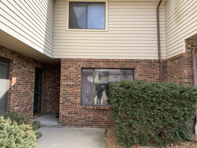 1405 E Vernon Avenue #14, Normal, IL 61761 (MLS #10303872) :: Janet Jurich Realty Group