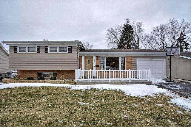 215 E Woodworth Place, Roselle, IL 60172 (MLS #10304089) :: Baz Realty Network | Keller Williams Preferred Realty