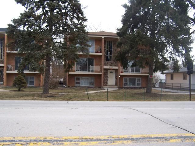 17511 Ridgeland Avenue - Photo 1