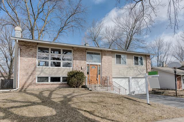 426 Charlestown Drive, Bolingbrook, IL 60440 (MLS #10304645) :: Baz Realty Network | Keller Williams Preferred Realty