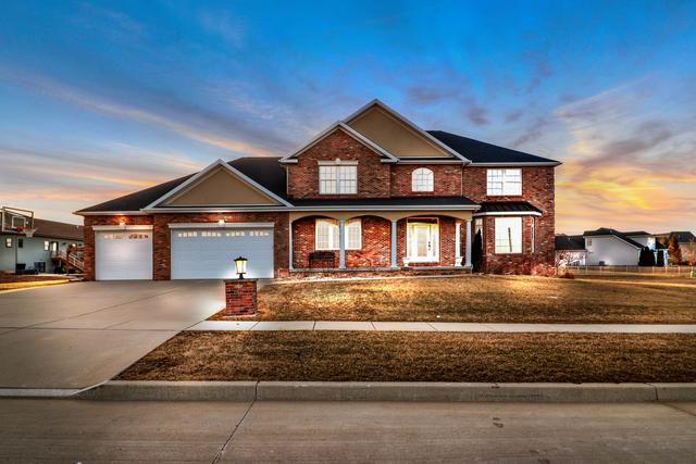 2604 Addison Lane, Bloomington, IL 61705 (MLS #10304906) :: Janet Jurich Realty Group