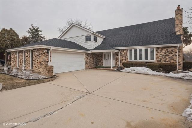 745 Oakwood Court, Westmont, IL 60559 (MLS #10305021) :: HomesForSale123.com