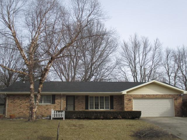 118 Eldorado Drive, Tuscola, IL 61953 (MLS #10305205) :: Ryan Dallas Real Estate