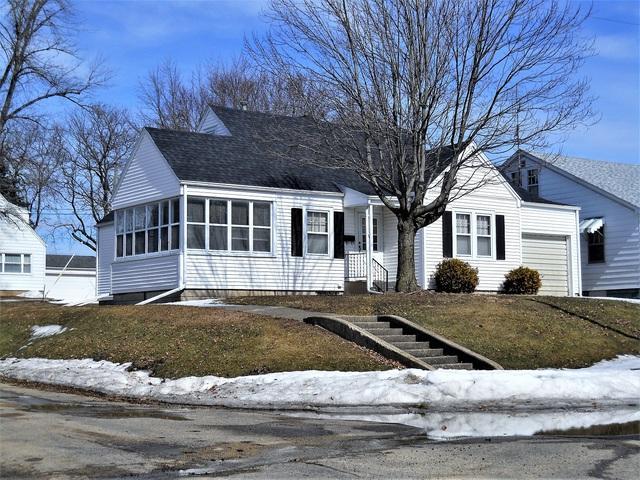 612 W Mason Street, Polo, IL 61064 (MLS #10305909) :: Helen Oliveri Real Estate