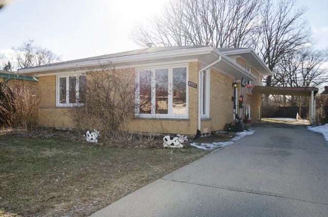 8912 Crawford Avenue, Skokie, IL 60076 (MLS #10306637) :: The Dena Furlow Team - Keller Williams Realty