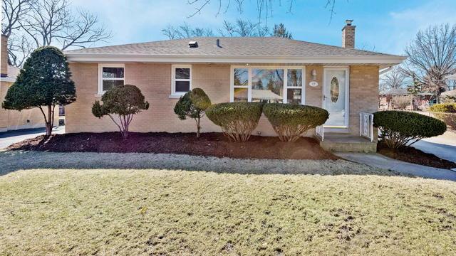 17 W 55th Place, Westmont, IL 60559 (MLS #10306964) :: HomesForSale123.com