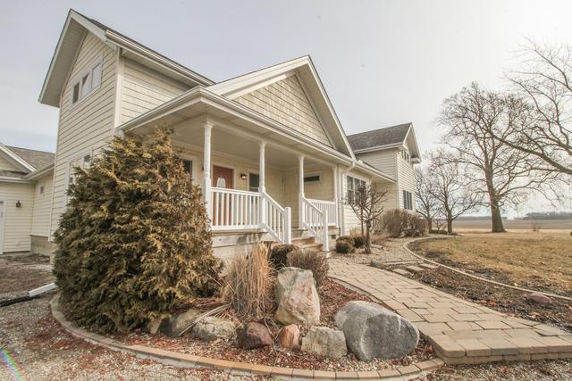 32186 E 2700 North Road, Chenoa, IL 61726 (MLS #10307245) :: Property Consultants Realty