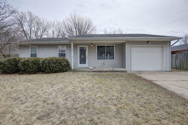 3303 W John Street, Champaign, IL 61821 (MLS #10307277) :: Ryan Dallas Real Estate