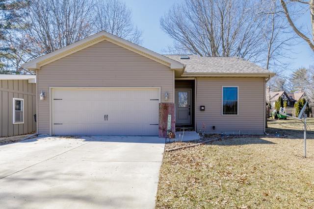 910 Lincoln Drive, MONTICELLO, IL 61856 (MLS #10307397) :: Ryan Dallas Real Estate