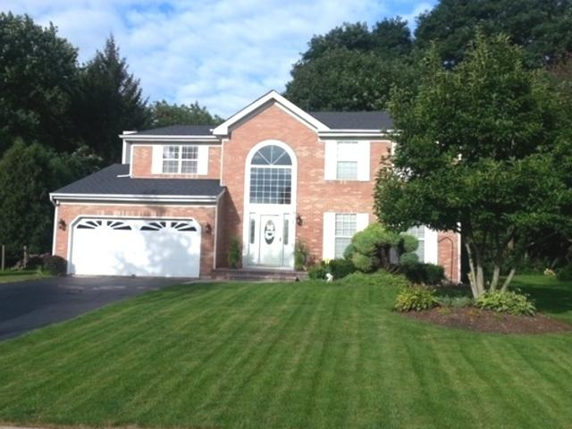 1806 Woodhaven Drive, Crystal Lake, IL 60014 (MLS #10307405) :: Baz Realty Network   Keller Williams Preferred Realty