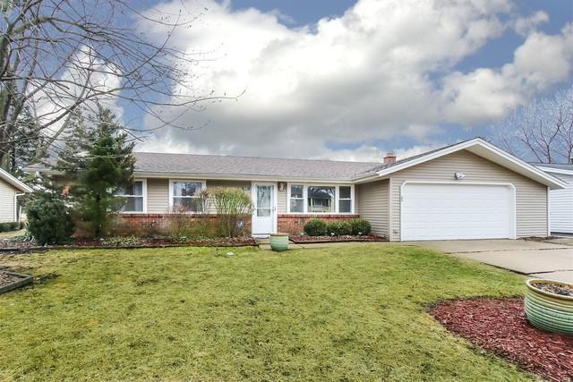 1801 Syracuse Lane, Schaumburg, IL 60193 (MLS #10308007) :: HomesForSale123.com