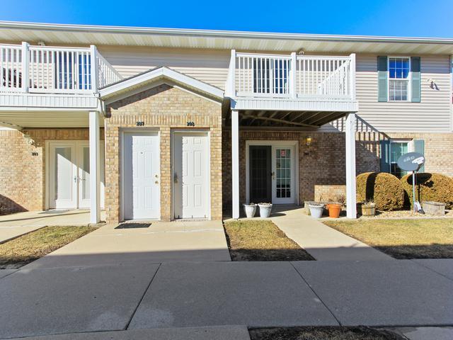 3515 Cornelius Drive #208, Bloomington, IL 61704 (MLS #10308875) :: Berkshire Hathaway HomeServices Snyder Real Estate