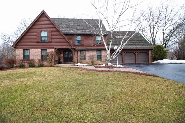 1624 Picardy Court, Long Grove, IL 60047 (MLS #10308935) :: Helen Oliveri Real Estate