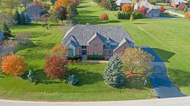 5 Middletree Lane, Hawthorn Woods, IL 60047 (MLS #10309132) :: Helen Oliveri Real Estate