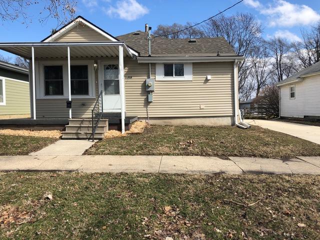 1309 N Morris Avenue, Bloomington, IL 61701 (MLS #10309564) :: Ryan Dallas Real Estate